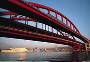 神戸大橋とポートライナー